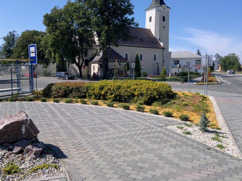 Záhrada Beluša kostol